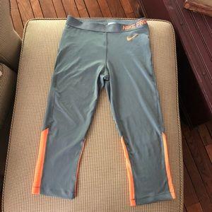 Nike Pro Dri-FIT Cropped Leggings Sz L